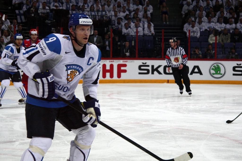 Mikko_Koivu_Finland-Russia_IHWC_2012_Simifinal_19.05.2012-1024x682