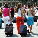 Matkailuala kiittelee hallitusta matkustusrajoitusten höllentämisestä – Espanjan ja Ruotsin avautumista