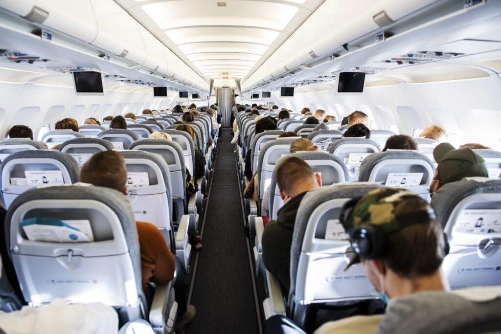 """Finnair uudisti Euroopan- ja kotimaan lentojen hinnoittelun – myyntijohtaja: """"Voit lentää toiseen suuntaan ja palata junalla kotiin"""""""
