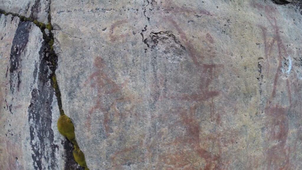 Astuvansalmen kalliomaalausten äärelle pääsee pian ilman autoa tai venettä – Uusi kierrosbussi Mikkelin seudun nähtävyyksille aloittaa kesällä