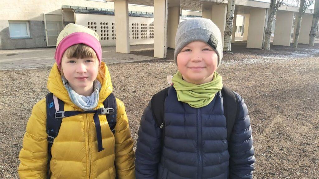 Osassa kouluista jo ekaluokkalaiset kulkevat maskit kasvoillaan – THL: Mitä nuoremmista kyse, sitä epävarmempi hyöty