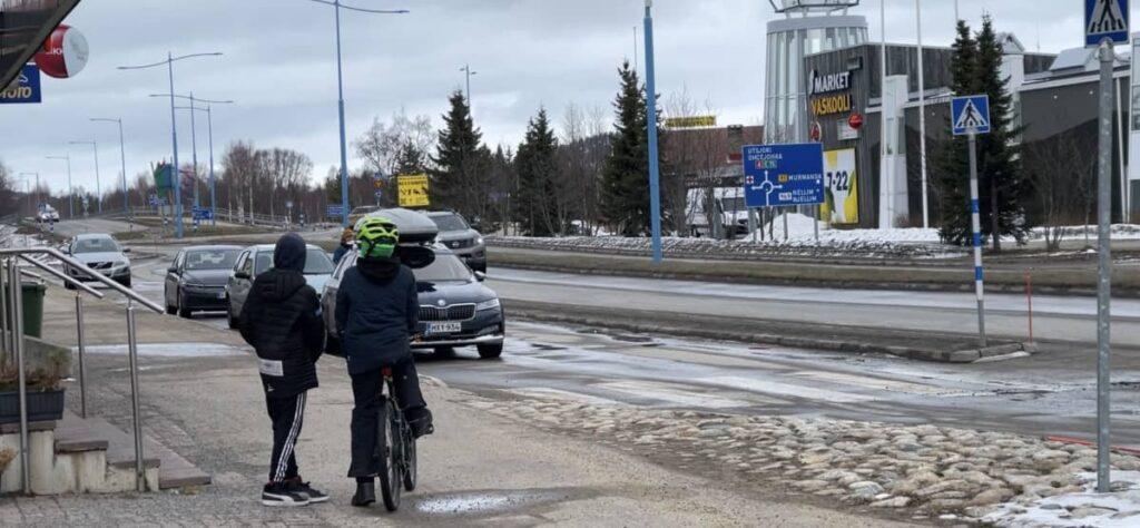 Suomessa halutaan seurata Norjan mallia: harvaan asutuille alueille muuttaville verohuojennuksia ja opintolainaa anteeksi